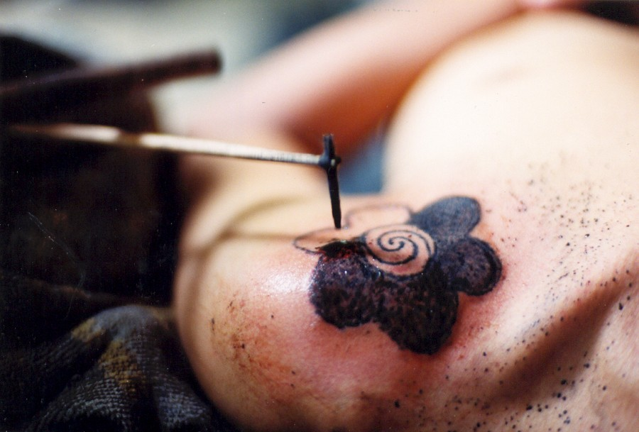 tattoo in process the borneo traditional tattoo. Black Bedroom Furniture Sets. Home Design Ideas