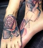 marie kraus tattoo roses on feet