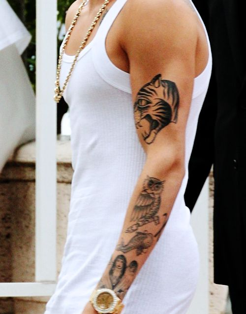 Justin bieber tattoo white shirt for Justin bieber tattoo sweatshirt