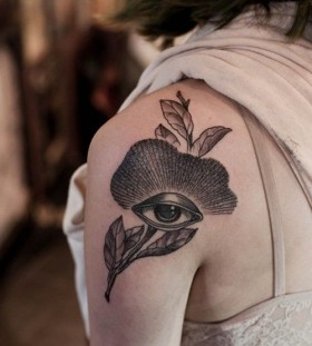 Black lovely eye tattoo on shoulder