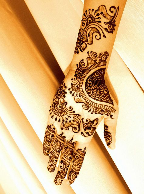 Traditional Henna Tattoo Designs: Traditional Style Henna And Mehndi Design Tattoo