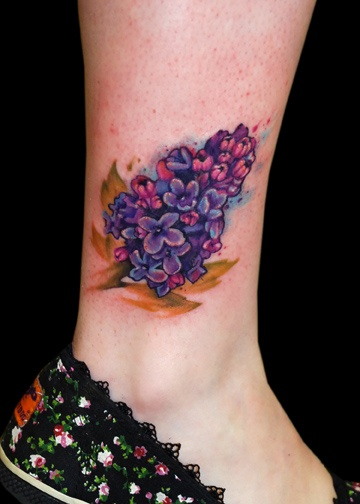 lilac tattoo on ankle tattoomagz rh tattoomagz com Delicate Lilac Tattoo Lilac Tattoos for Women