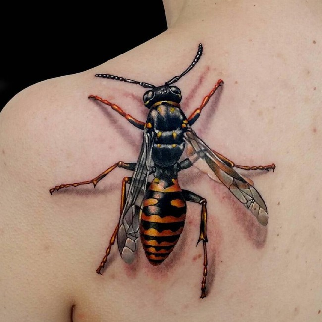 3D wasp on shoulder tattoo
