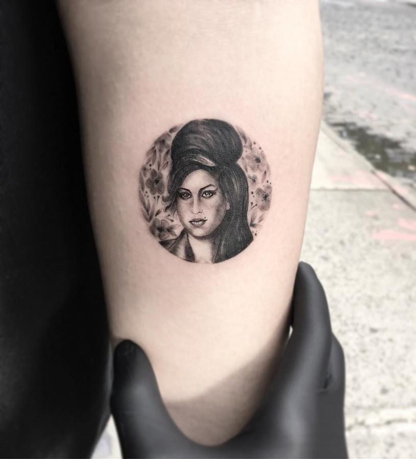 amy winehouse miniature circle tattoo by evakrbdk