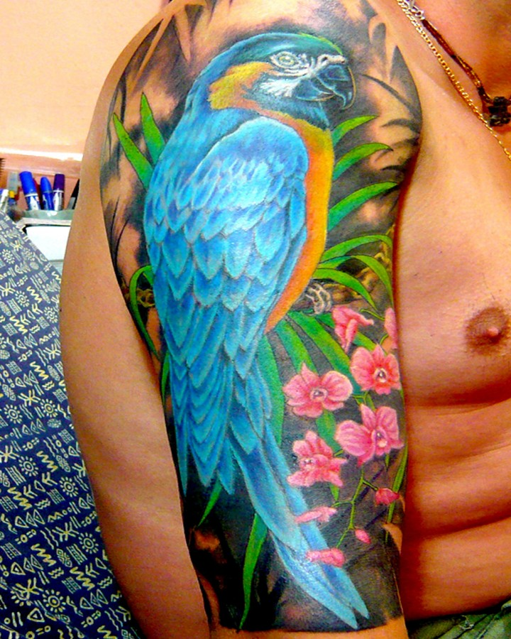 Birds Locket Timepiece Full Sleeve: Awesome Parrot Arm Tattoo