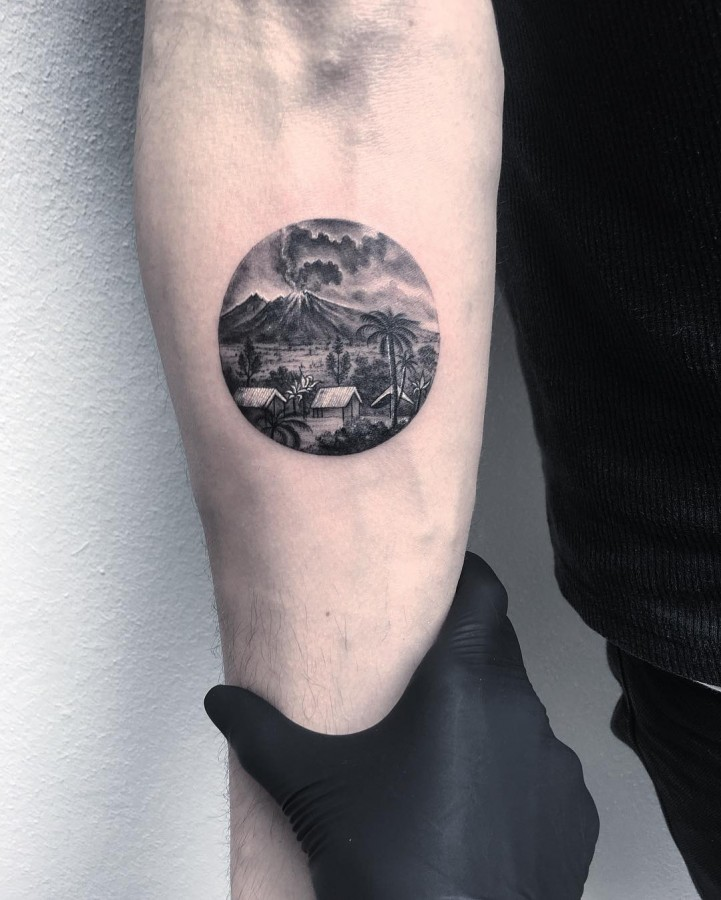 bali-volcano-circle-tattoo