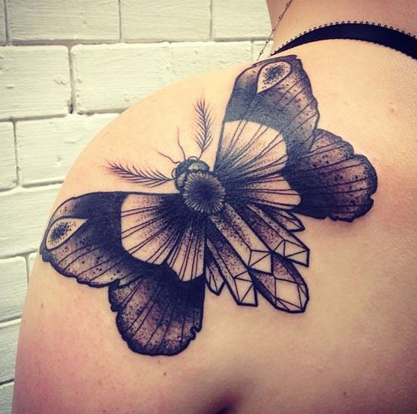 barbe-rousse-moth-shoulder-tattoo