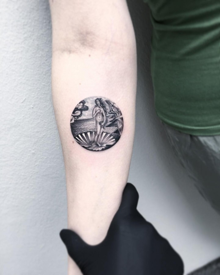 botticelli-birth-of-venus-circle-tattoo