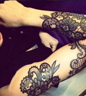 Cool boy's lace tattoo