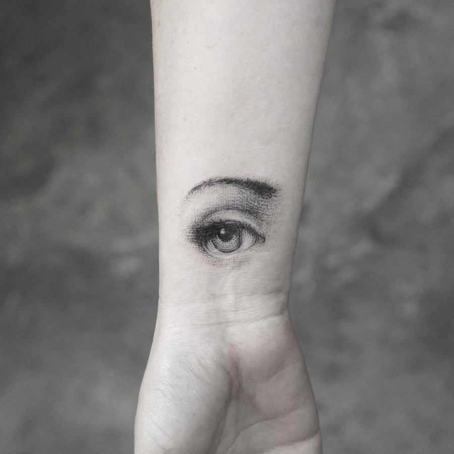 dotwork eye tattoo