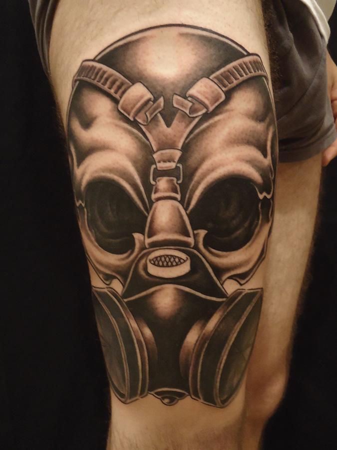 great gas mask leg tattoo tattoomagz. Black Bedroom Furniture Sets. Home Design Ideas