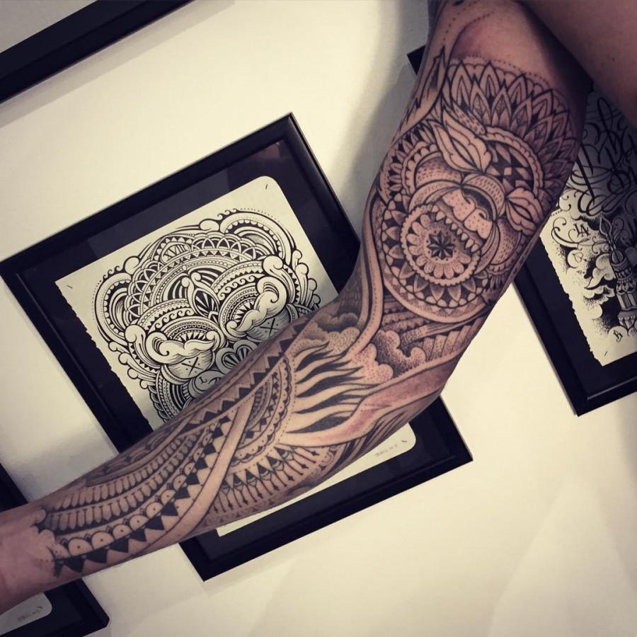 jeykill-bleunoir-full-sleeve-wolf-mandala-blackwork-tattoo