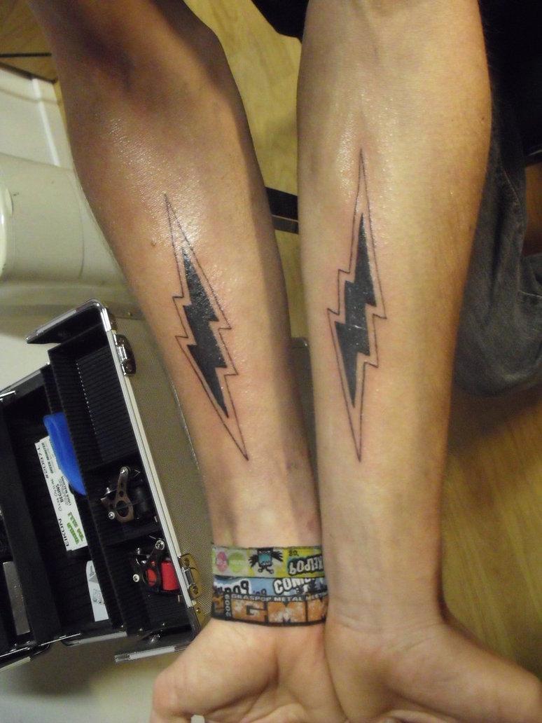lightning bolt arm
