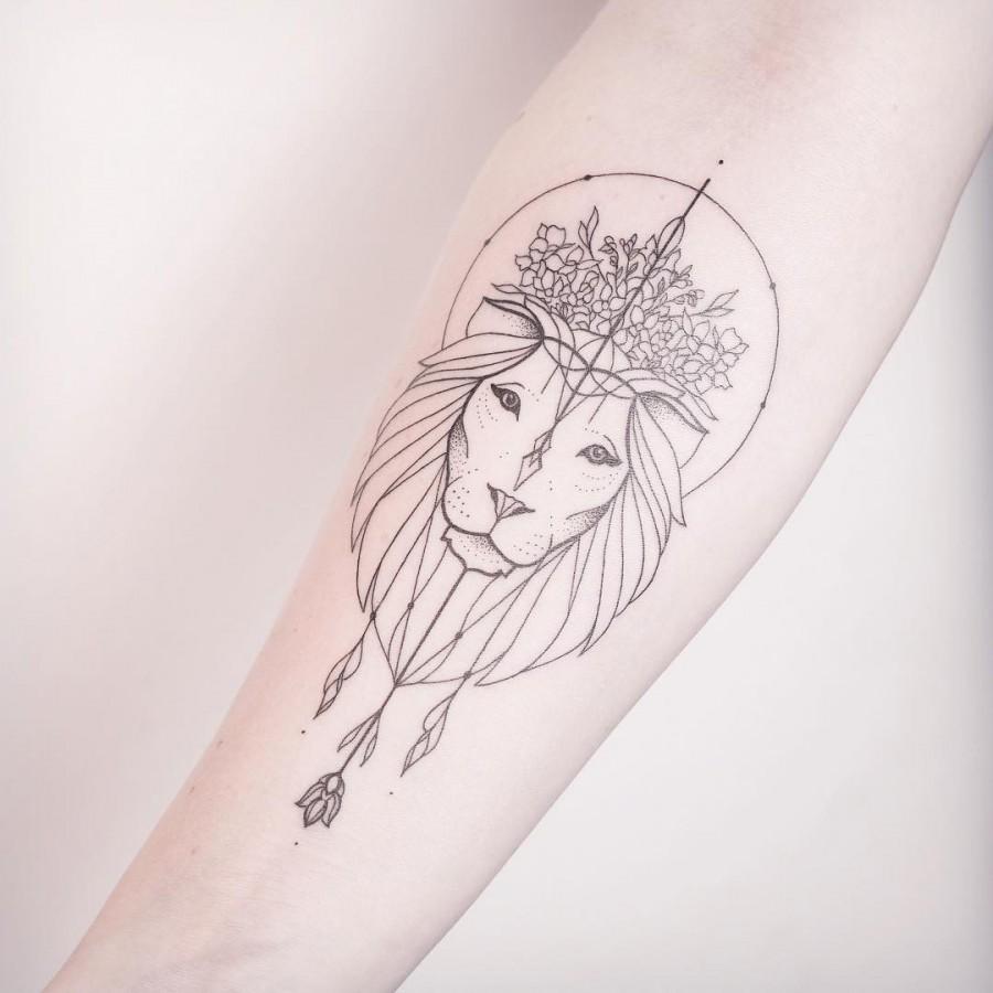 lion tattoo by xoxotattoo