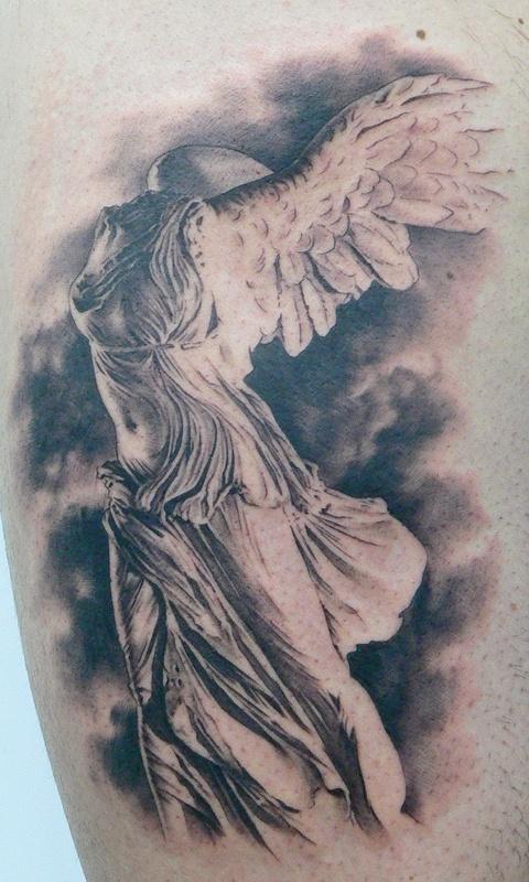 Statue tattoo by xavier garcia boix tattoomagz for Greek sculpture tattoo