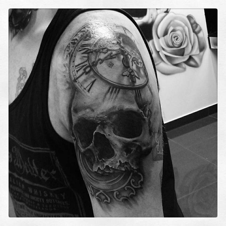 Stunning Skull Clock Tattoo Tattoomagz