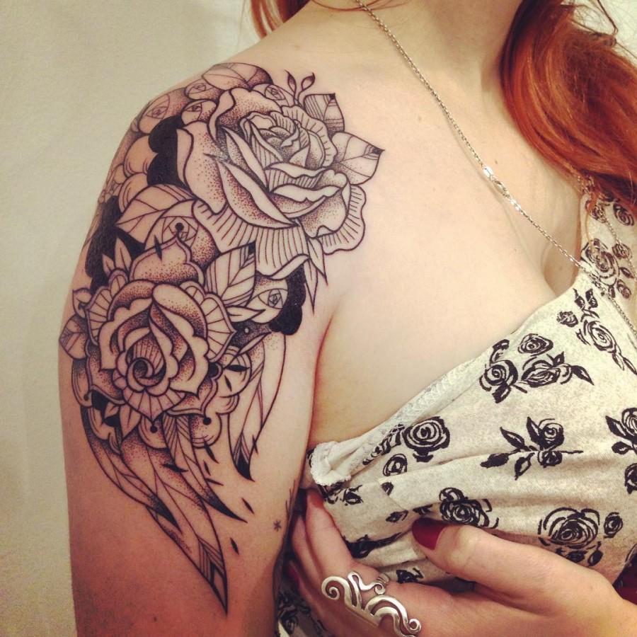 supakitch-bleunoir-shoulder-rose-blackwork-tattoo