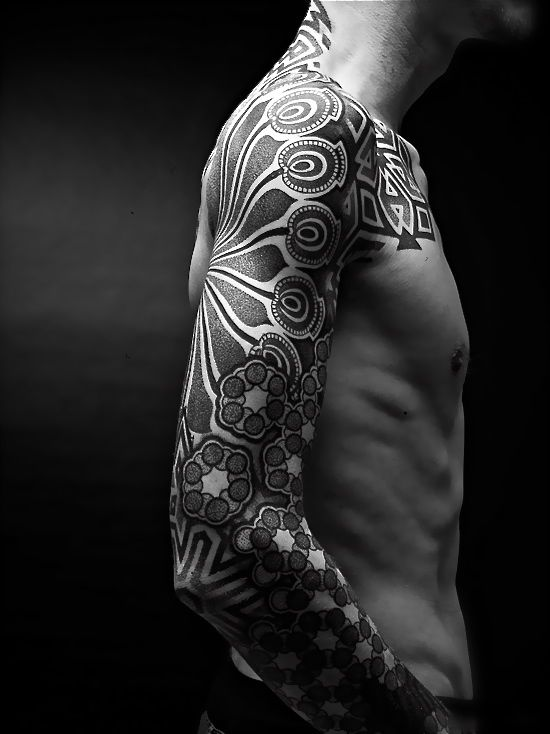 Owal ornaments men 39 s arm tattoo tattoomagz for Geometric arm tattoos for men