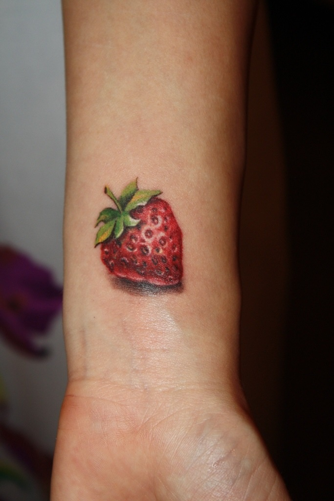 chocolate strawberry tattoos pictures to pin on pinterest tattooskid. Black Bedroom Furniture Sets. Home Design Ideas