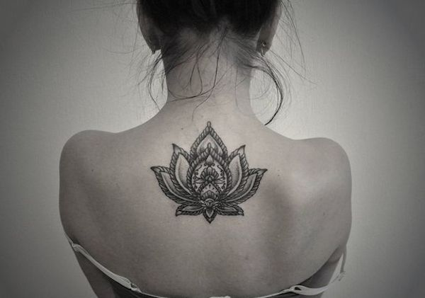 Realistic Womans Back Lotus Flower Tattoo Tattoomagz