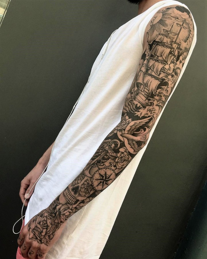 veenom-bleunoir-full-sleeve-blackwork-tattoo