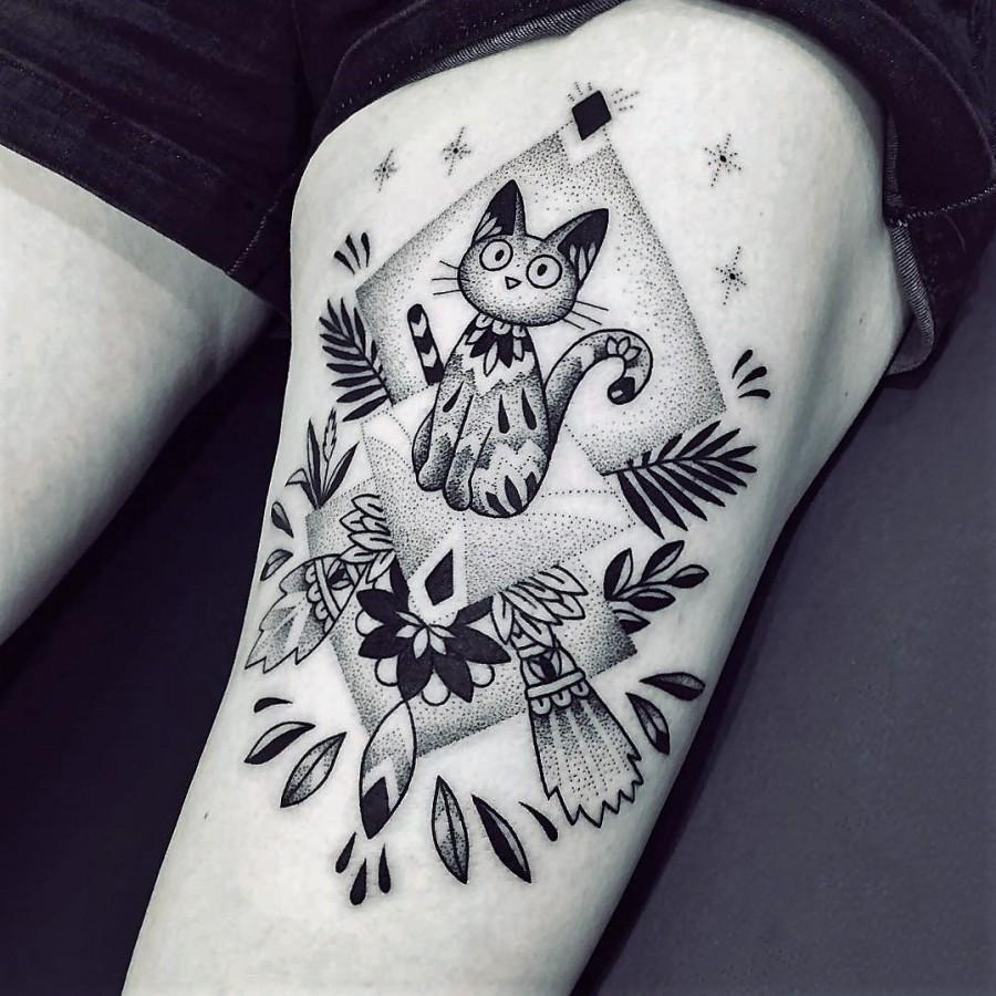 violette-bleunoir-cat-blackwork-tattoo