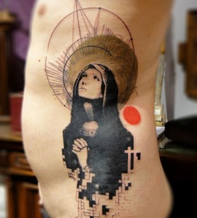 Xoil woman side tattoo