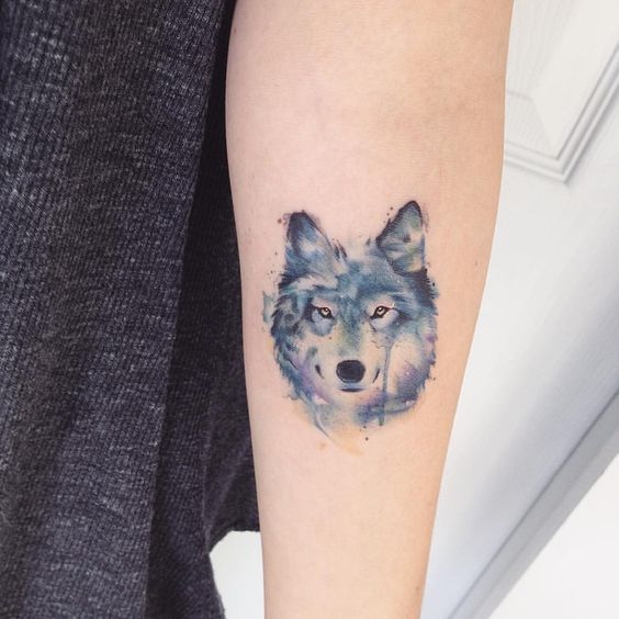 blue-watercolor-wolf-tattoos