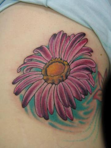 lovely pink purple daisy flower shoulder tattoo design for women. Black Bedroom Furniture Sets. Home Design Ideas