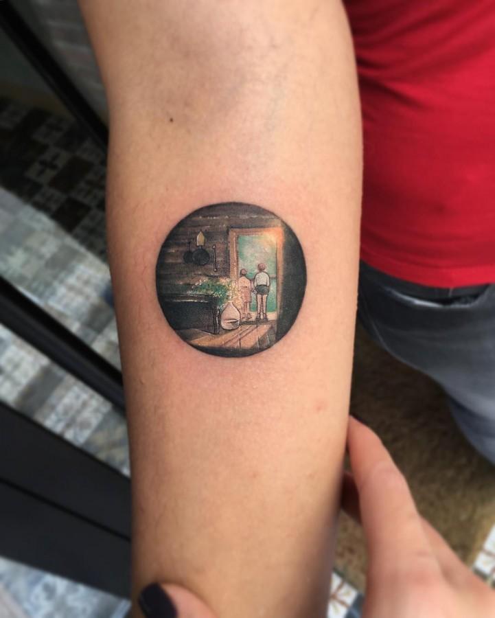 detail-minimal-circle-tattoo