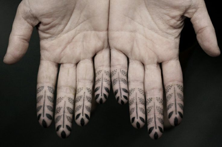 finger tattoos for men