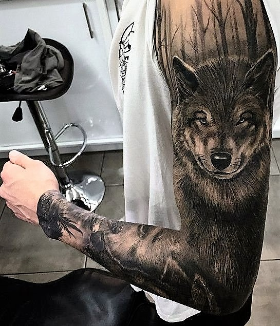 full-sleeve-wolf-tattoo