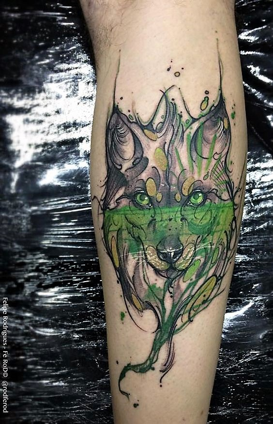 green-watercolor-wolf-tattoo-by-felipe-rodrigues