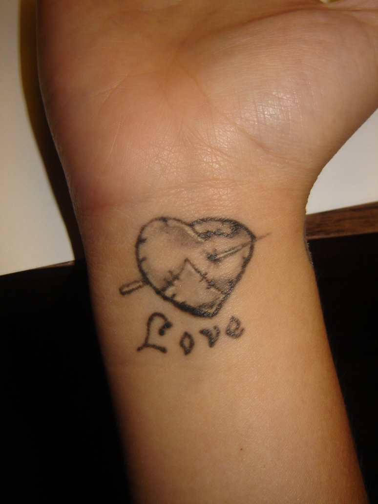 heart tattoos for wrists for younger girls - tattoomagz