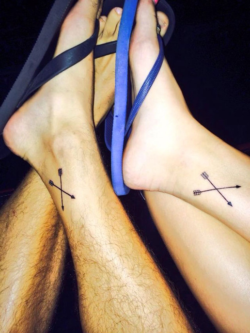 macthing arrows couples tattoos