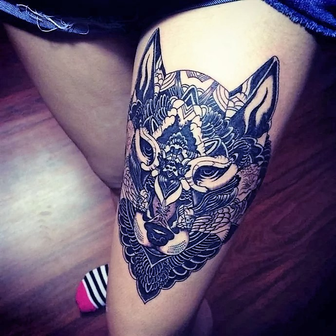 negative-space-wolf-tattoos