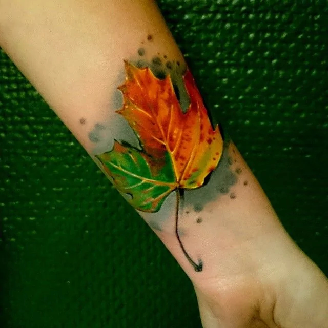 realistic-leaf-autumn-tattoo
