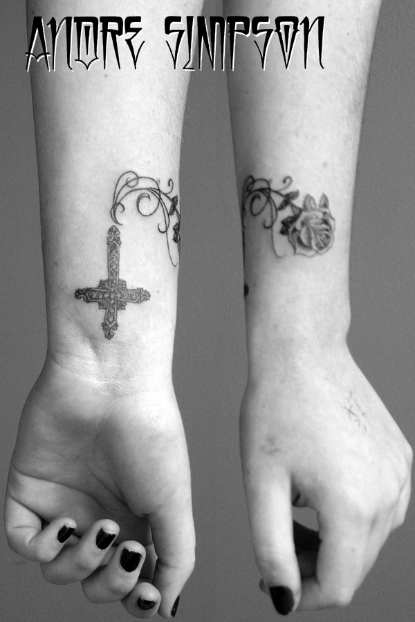 cross vines and rose tattoo design pictures tattoomagz. Black Bedroom Furniture Sets. Home Design Ideas