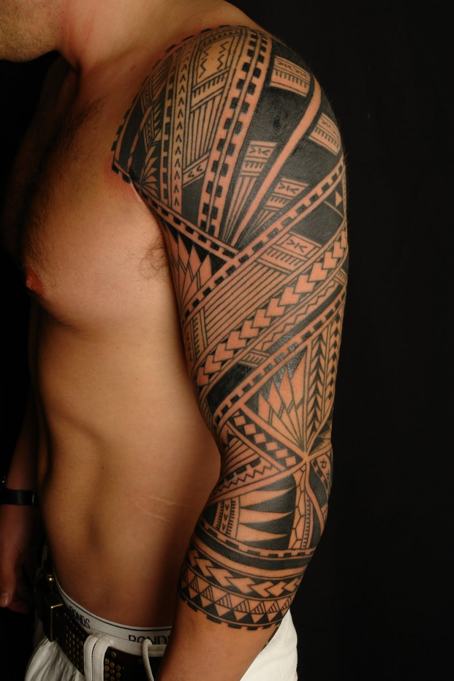 Tattoo designs upper arms tattoo lawas for Upper arm tattoos