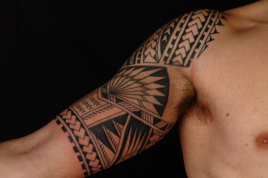 Cool samoan tattoo designs collection on upper arm for Cool upper arm tattoos