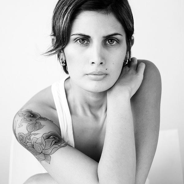Great Shoulder Rose Tattoos Design For Women Photo