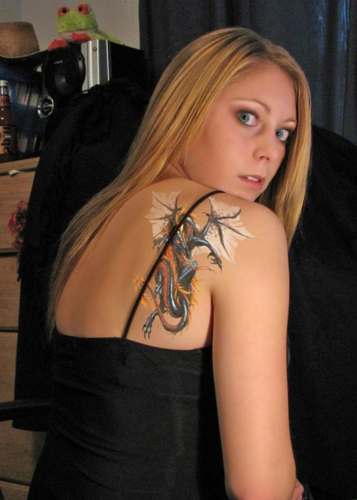Tribal Shoulder Tattoo For Girls