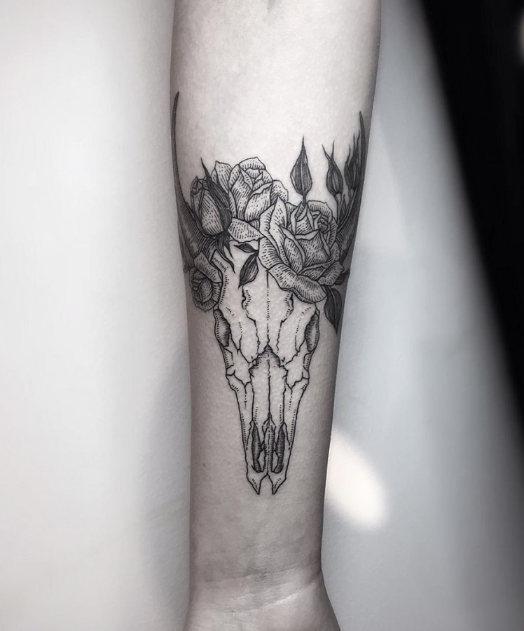 skull-tattoo-by-silwou