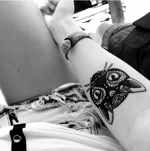 sugar-skull-cat-halloween-tattoo