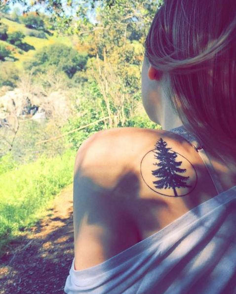 tree-and-circle-shoulder-tattoo