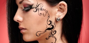 Trending Tattoo & Hollywood Body Jewelry to Have This Summer