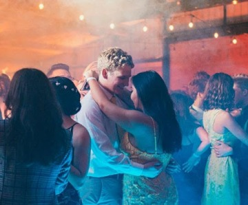 How to Look Perfect at a Party: 10 Steps
