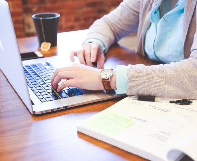 Buying Research Papers Online: Pros and Cons