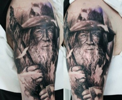 """""""Lord of the rings"""" tattoos"""