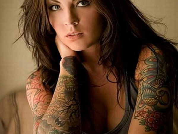 Girls with tattoo summer style sleevo